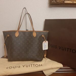 Louis Vuitton Neverfull MM Totes
